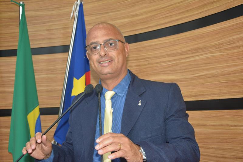 Imagem Dudé quer que Câmara visite obras e cobre de deputados destinação de emendas para o município