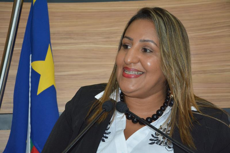 Imagem Nildma cobra mais agilidade da secretaria de serviços públicos