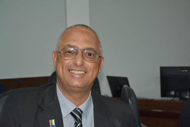 Imagem Dudé ressalta emendas do deputado Ronaldo Carletto para Conquista: ambulâncias, asfalto estão na lista