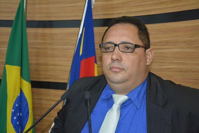 Imagem Luciano aproveita presença de Herzem e reforça solicitações à Prefeitura