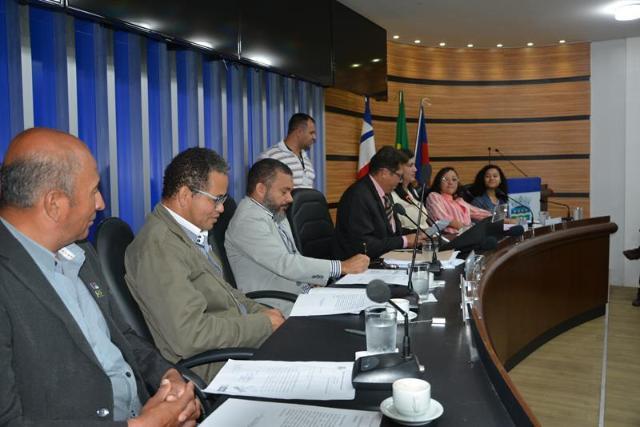 Imagem AUDIÊNCIA PÚBLICA:  Câmara discute necessidade de construção de sede própria do Colégio Nilton Gonçalves