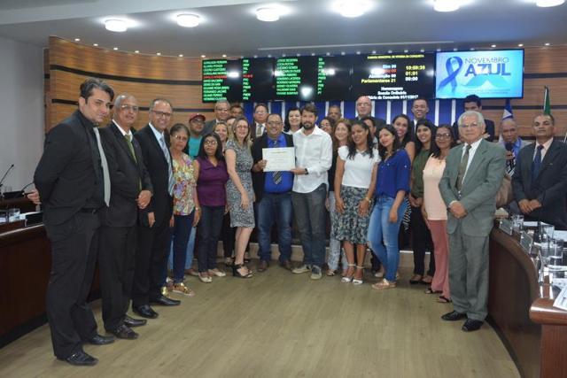 Imagem Câmara Municipal homenageia equipe do PSF da Limeira